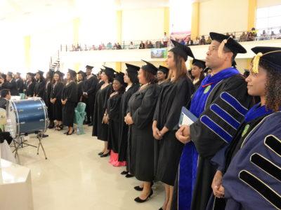 Estudiantes graduación unad. Graduacion universidad adventista dominicana