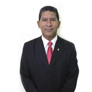 Joel Alonzo. Empleado UNAD