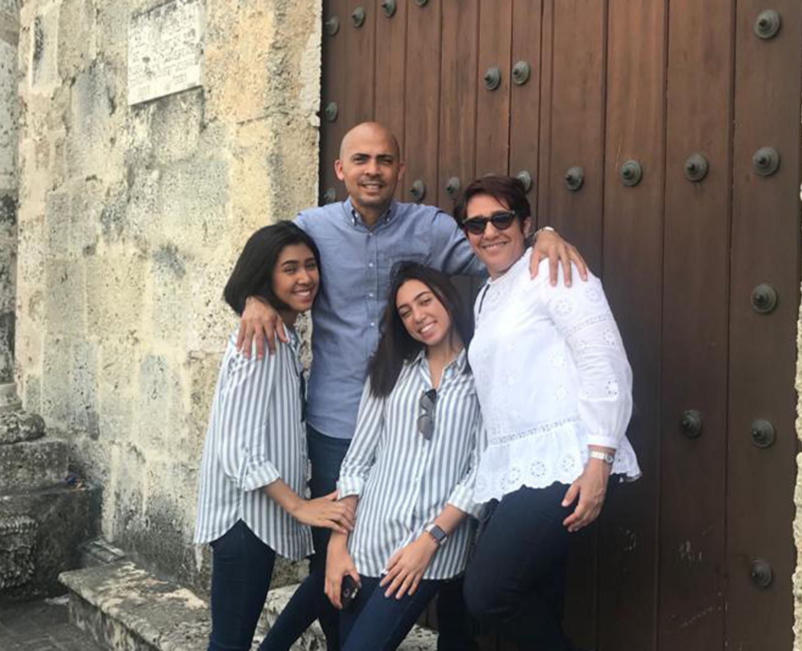 Altagracia familia egresada UNAD