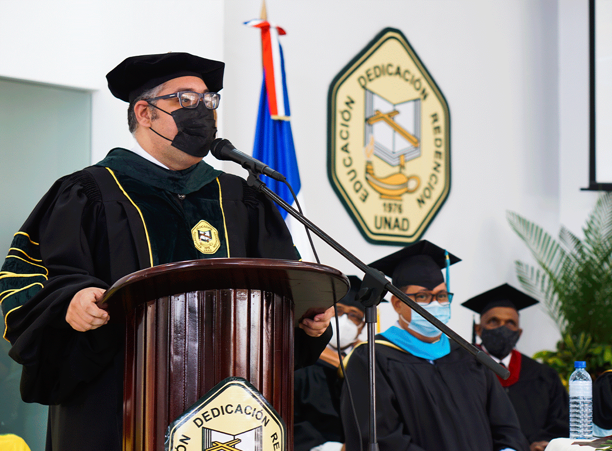 rector-graduacion1